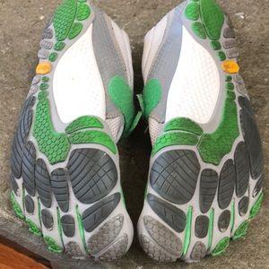 Vibram Shoes - Vibrant Five Fingers W345